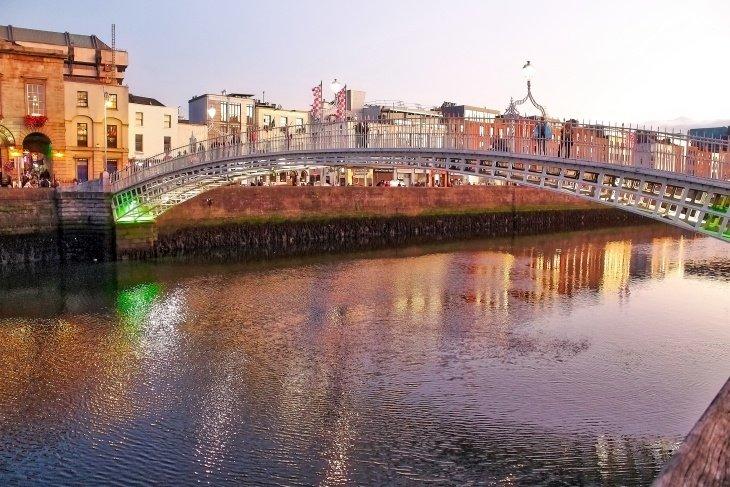 Ha'Penny Bridge Dublin Roseanna Sunley Dublin