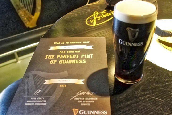 Pouring Guinness in Dublin Roseanna Sunley Travel