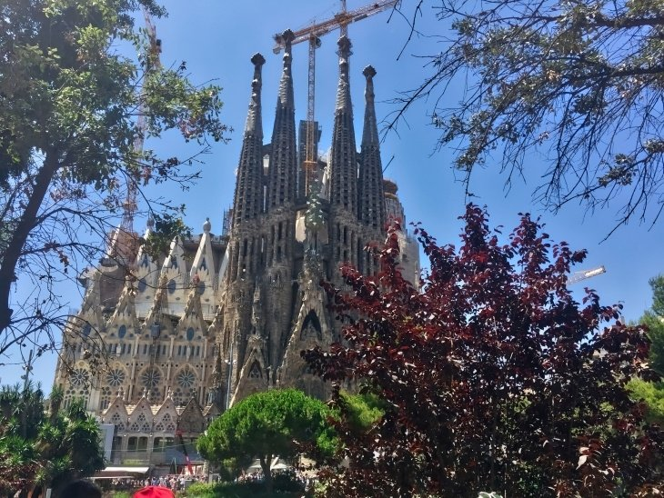 Sagrada Familia roseanna sunley travel blogger barcelona