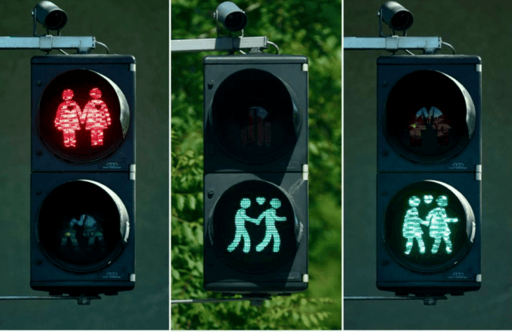 Traffic Light Couple Vienna Travel Roseanna Sunley