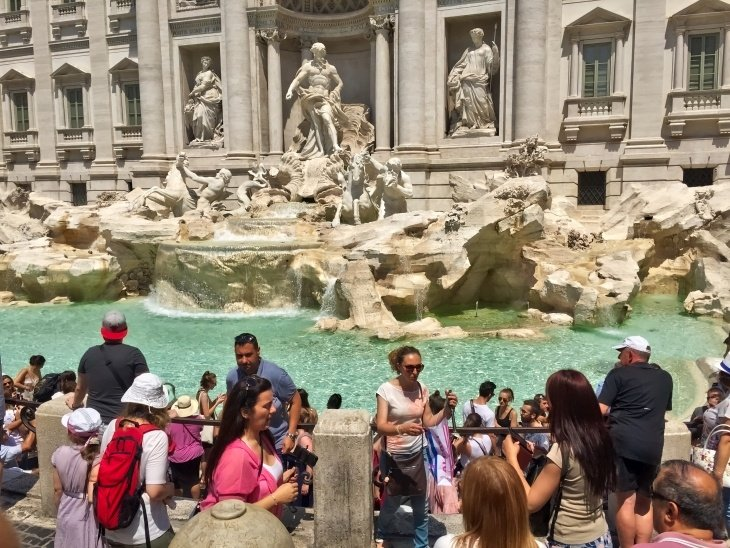 Trevi Fountain roseanna sunley travel blog rome