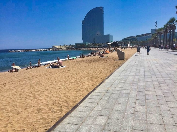 roseanna sunley travel blog beach barcelona