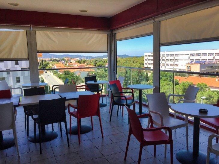 roseanna sunley travel blog hostel in zadar croatia