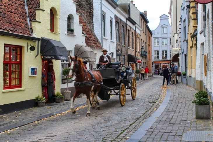 Off the beaten track in bruges roseanna sunley travel blog