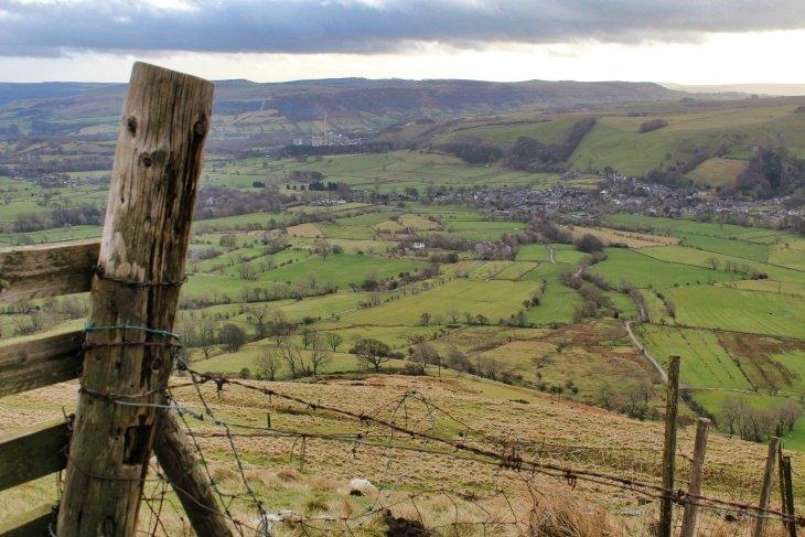 hiking the peak district mam tor roseanna sunley travel blog