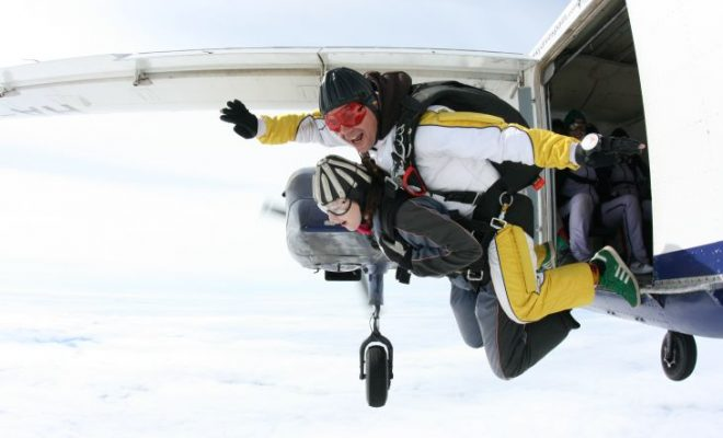 roseanna sunley travel blogger skydiving